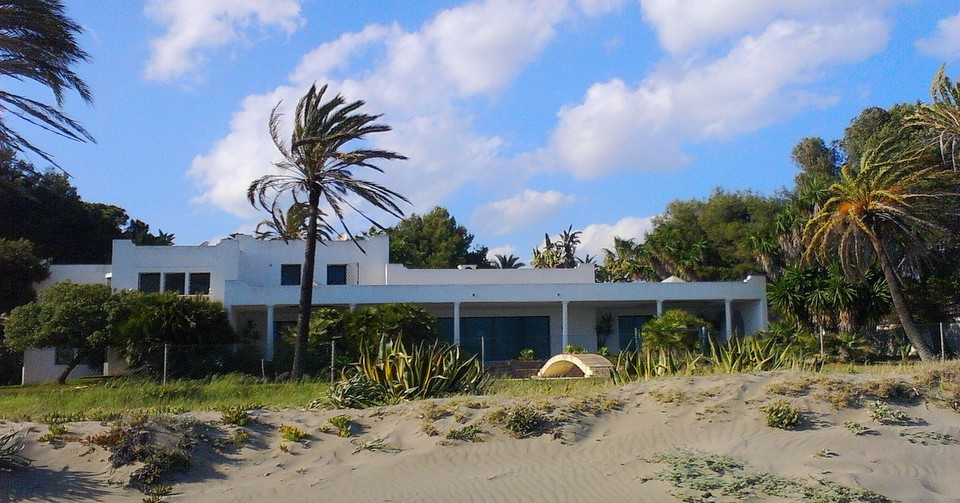 beachfront villa plot new golden mile marbella