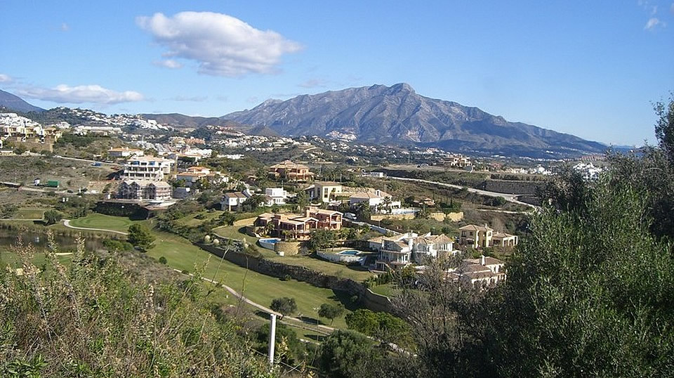 Building plot for sale in La Alqueria, Marbella